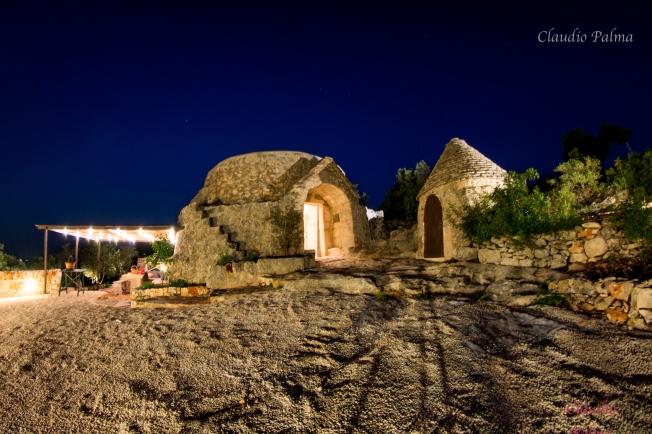 Trullo x due by night - Puglia