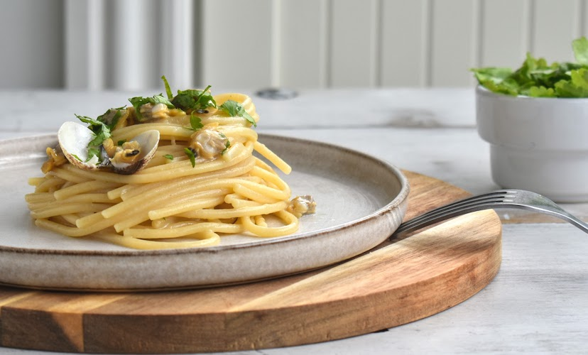 Traditional Spaghetti with Vongole - Spaghetti with Clams