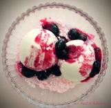 Vanille ice-cream with warm berries
