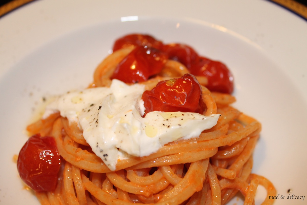 Spaghetti with burrata and roasted cherry tomatoes
