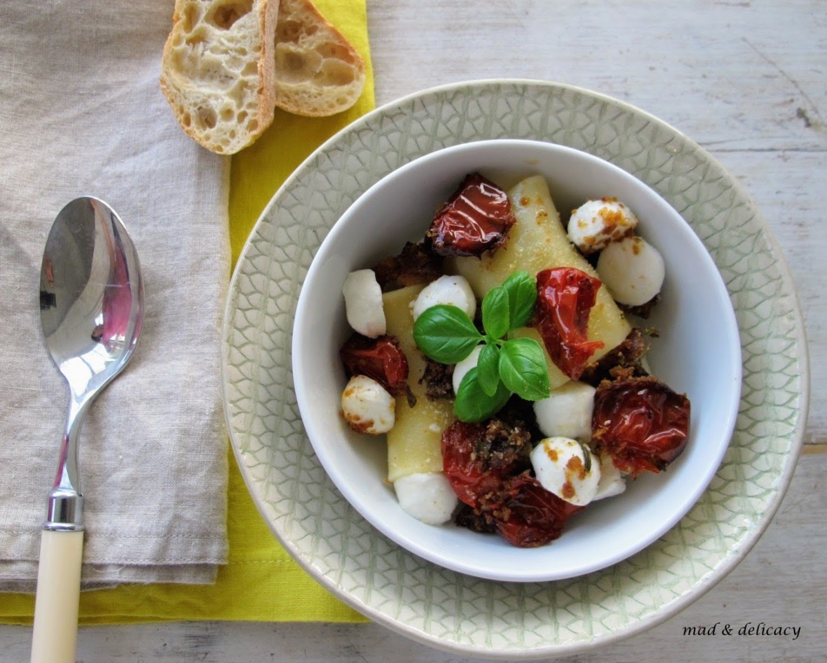 Mediterranean Paccheri with roasted tomato