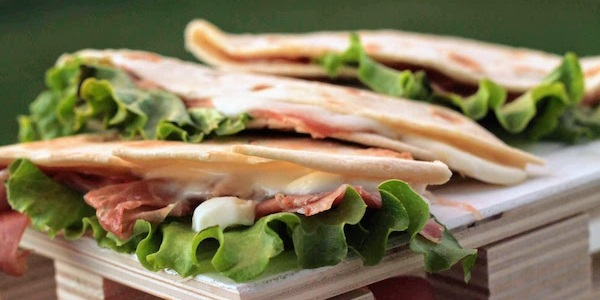 Let S Eat Outside Piadine Romagnole With Italian Cured Ham And Creamy Cheese Mad Delicacy