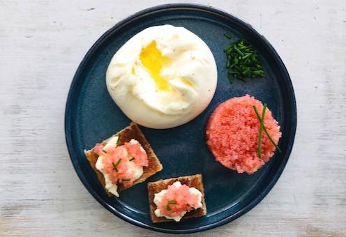 Burrata and lumpfish