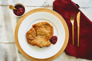 Breaded Veal with Homemade Red Currant Jam