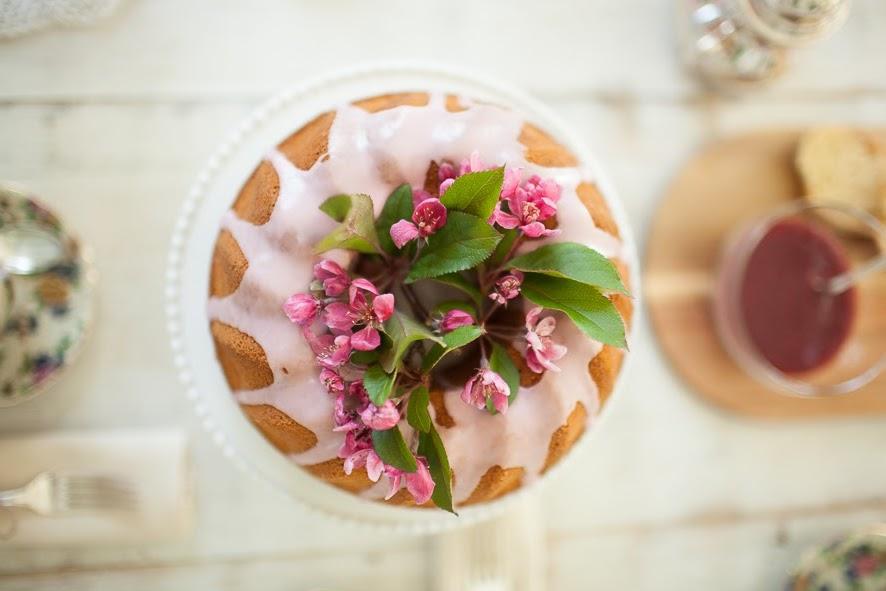 Bundt Cake - an Italian Ciambella.  mad&delicacy