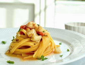 Linguine Pasta with Tomatoes and Plaice Fillet