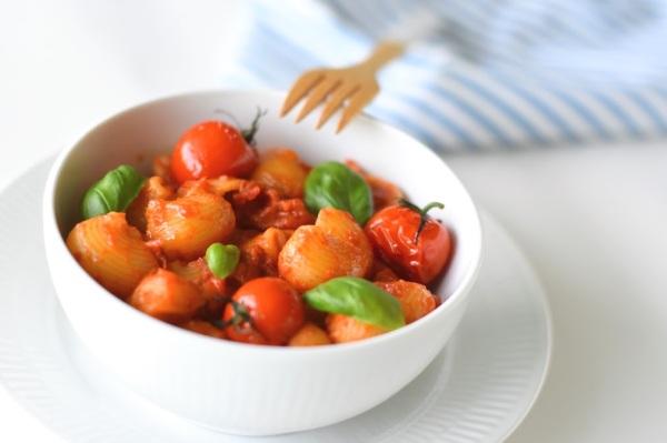 Pasta allo Scarpariello - Quick and creamy Tomato Pasta